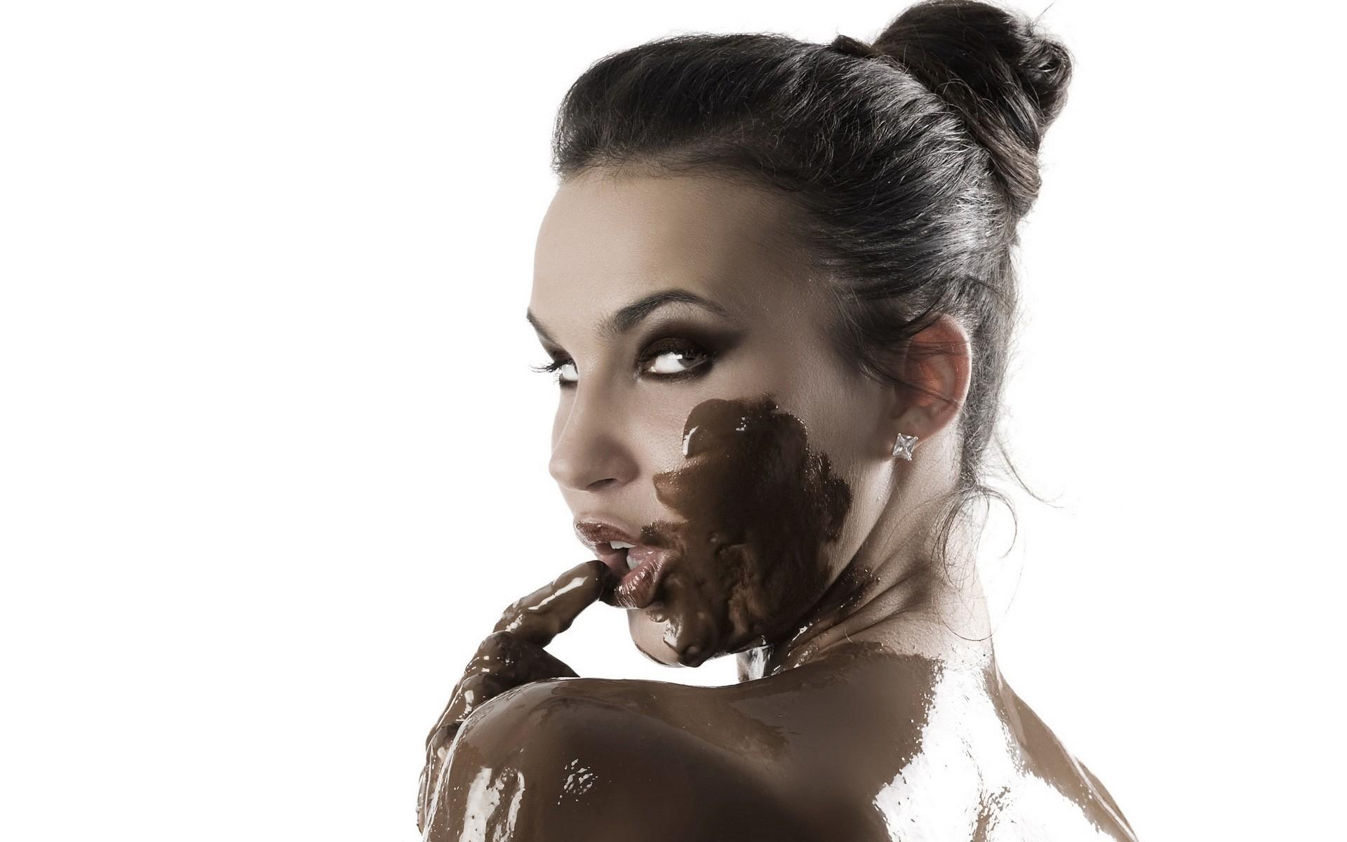 Шоколадный глаз у женщин