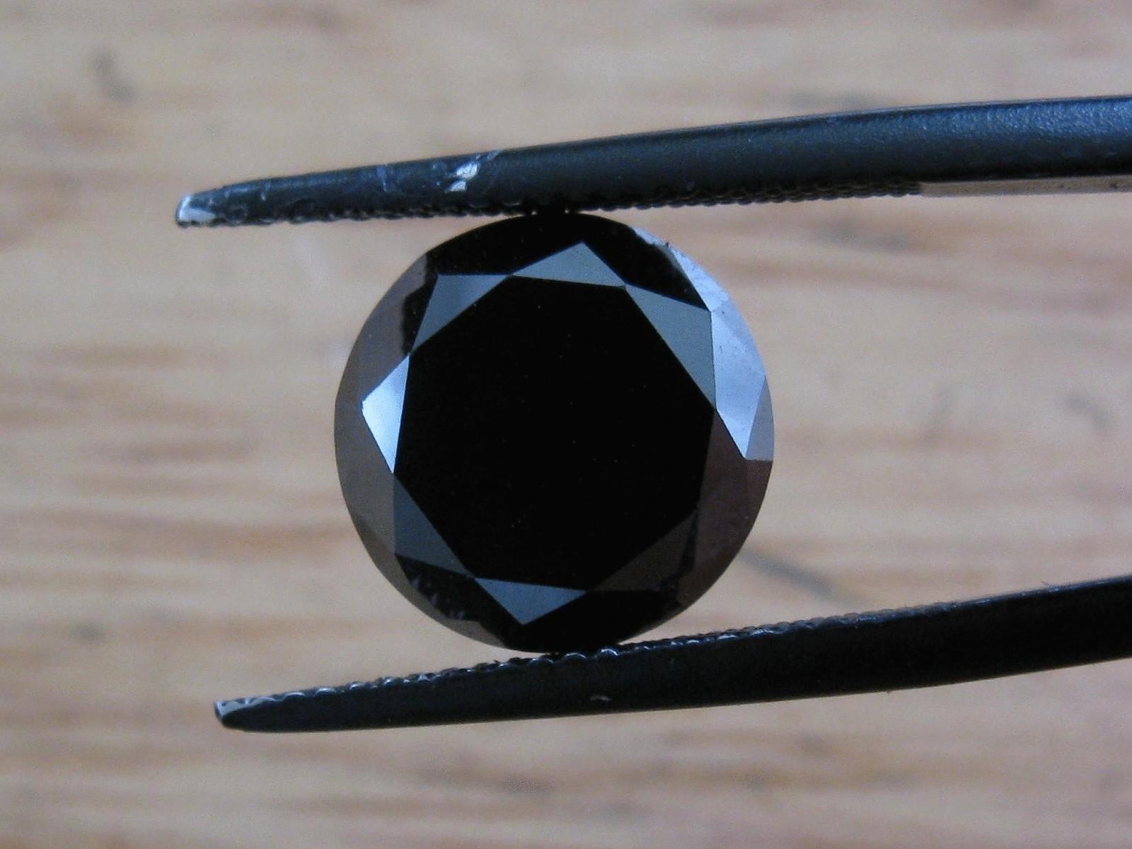 Черные полудрагоценные камни