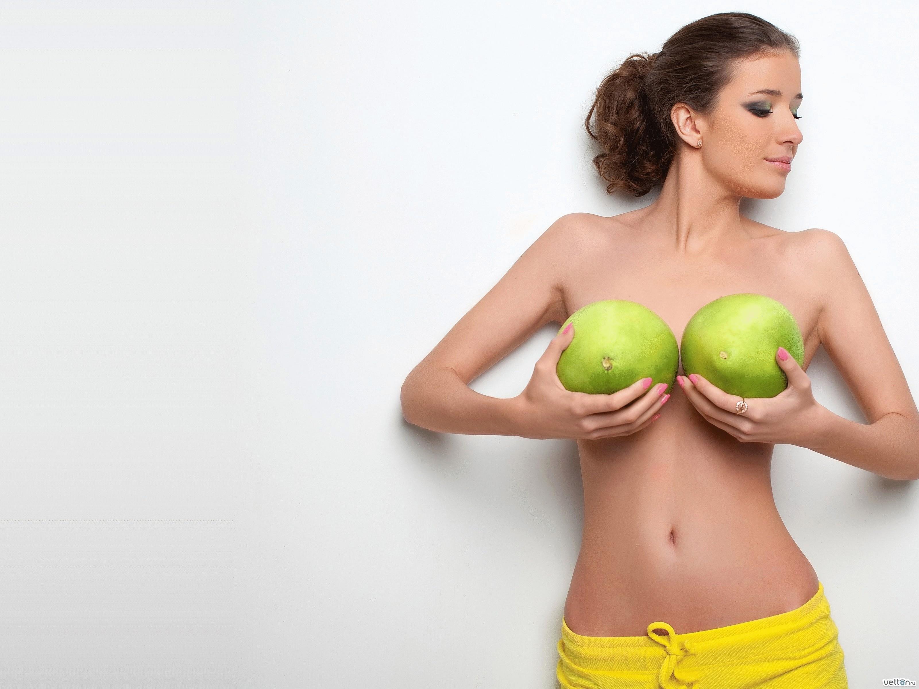 Фото молочной женской груди 18 фотография